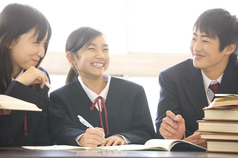 笑顔の学生たち