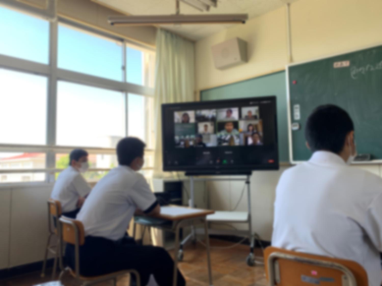 【お知らせ】中間市立中間東中学校にて、GIGA端末で中学生と大学生・社会人を繋ぐキャリア教育を行います